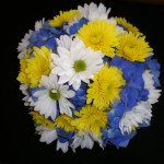 Round mixture of hydrangea, daisies and mums.